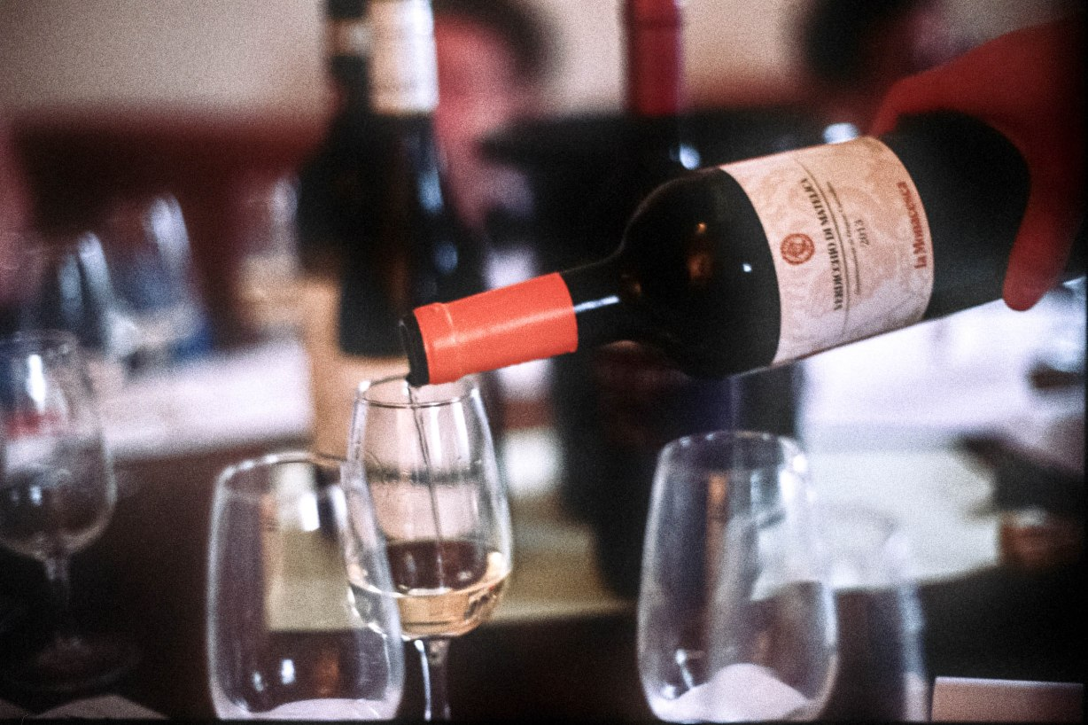 The way in which a wine is poured from the bottle is important; it contributes to the flavour and the aroma.